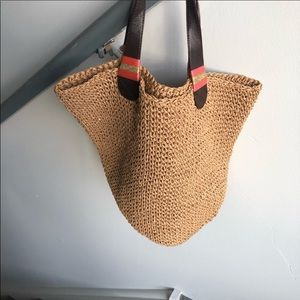 GAP STRAW TOTE. VEGAN with LEATHER STRAPS.